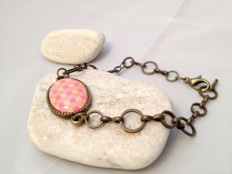 Bracelet Petit carreau rose et orangé - Bronze 12 euros