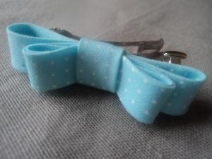 """Barrette """"Effet papillon"""" bleue"""