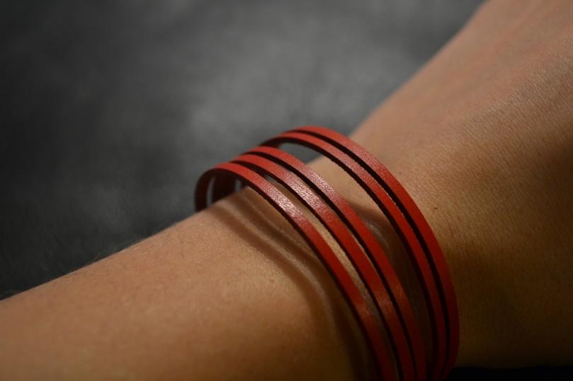 Bracelet en cuir rouge