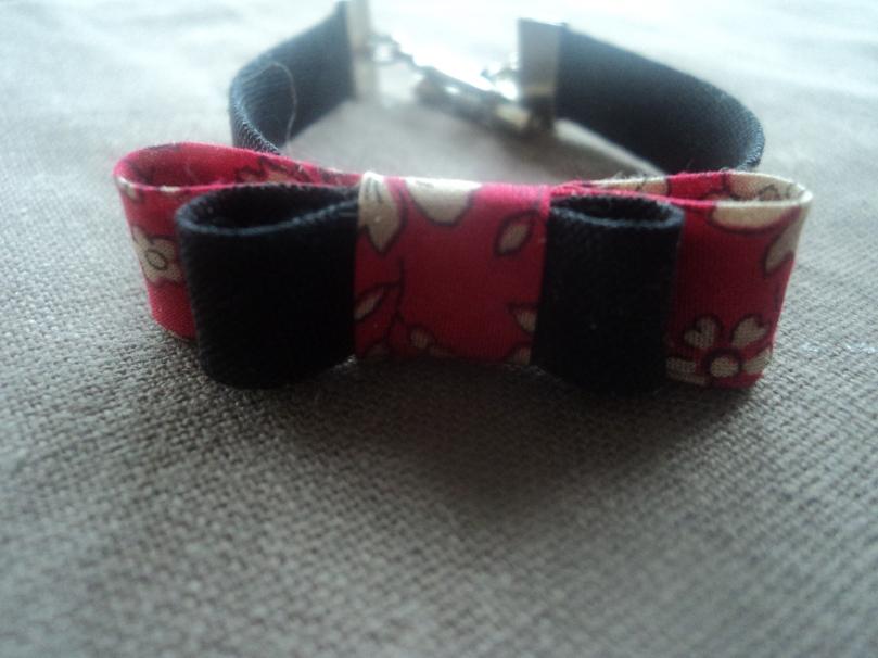 """Bracelet """"Effet papillon"""" rouge et noir"""