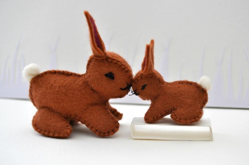 Lapins en feutrine Chocolats de Pâcques - Maman et bébé Caramel