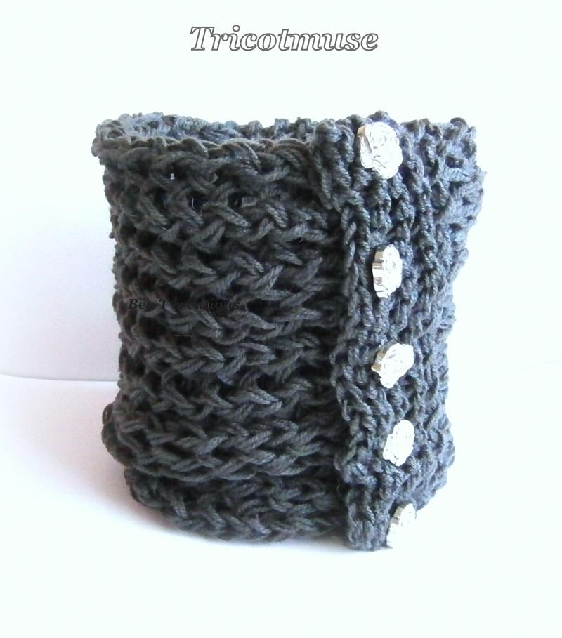 Col tricoté femme, Elégance gris anthracite,avec boutons