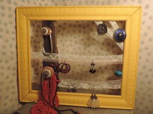 presentoir-tableau-a-bijoux-style-retro-et-14096827-dscn4873-f8822-1ba69_big